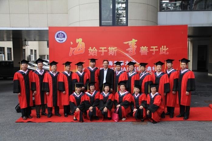 2015年毕业典礼导师合影