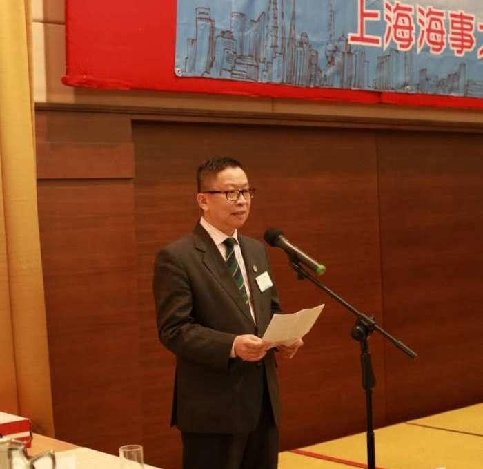 冯佳培秘书长做筹备工作报告
