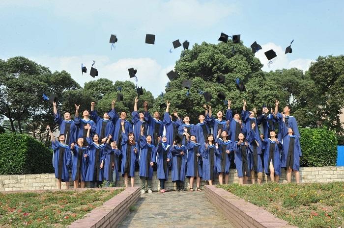第8届学员毕业抛帽