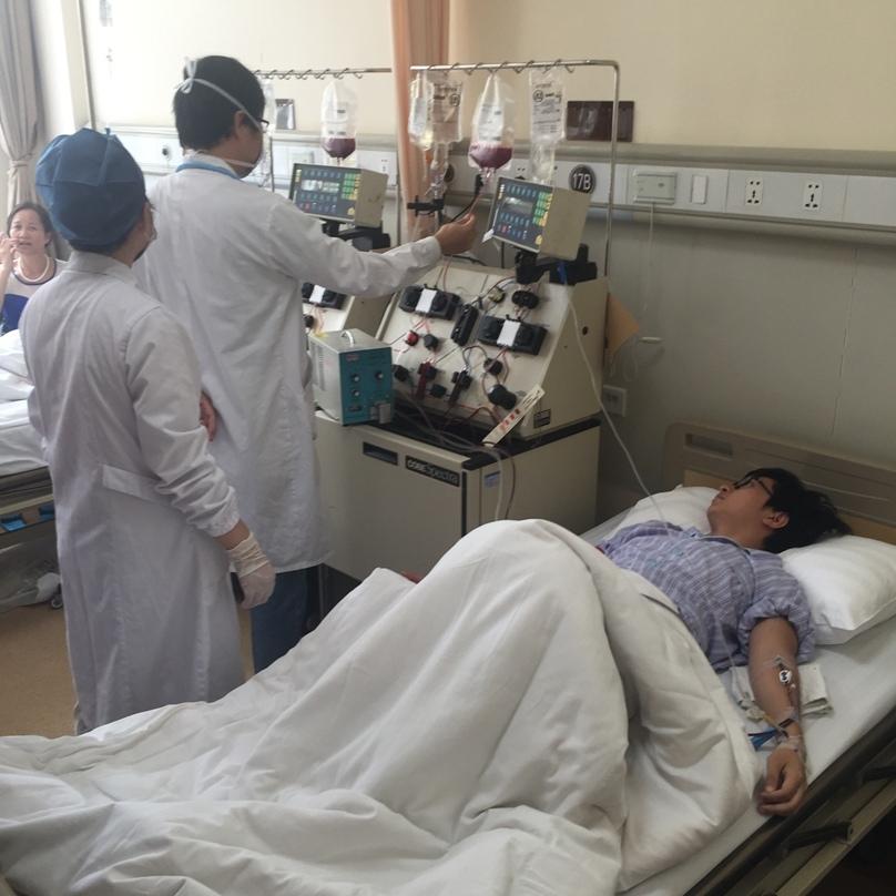孙嘉元同学在上海市第一人民医院造血干细胞采集中心