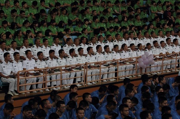 2011年9月5日上午,2011级本科生和研究生开学典礼在新校体育馆举行