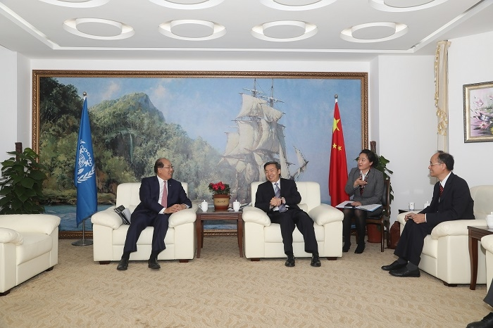 交通运输部副部长何建中与国际海事组织(IMO)秘书长林基泽会谈