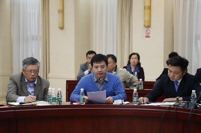 教师代表马克思主义学院王达山老师发言