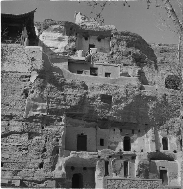 莫高窟第161窟地段-洞窟加固前现状-1965年