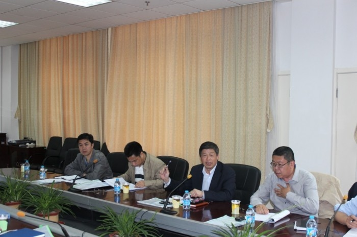 2013年5月16日,学校召开组合式液货模拟教学船建造项目招标文件评审会