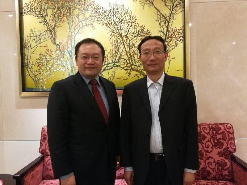 黄有方校长会见法国德莫斯培训教育集团总裁沈岱