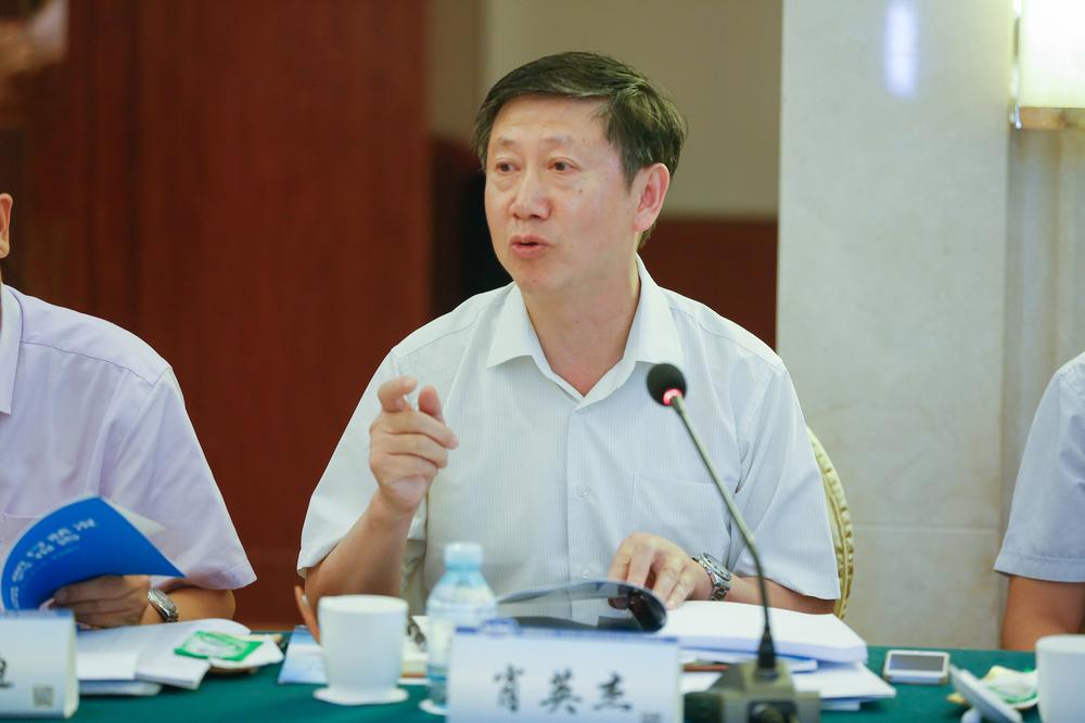 中国航海学会常务理事、上海海事大学商船学院院长肖英杰介绍相关成果