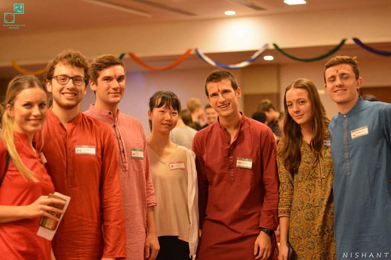 学生在印度马尼帕尔理工学院(爱因斯特海外实习项目)