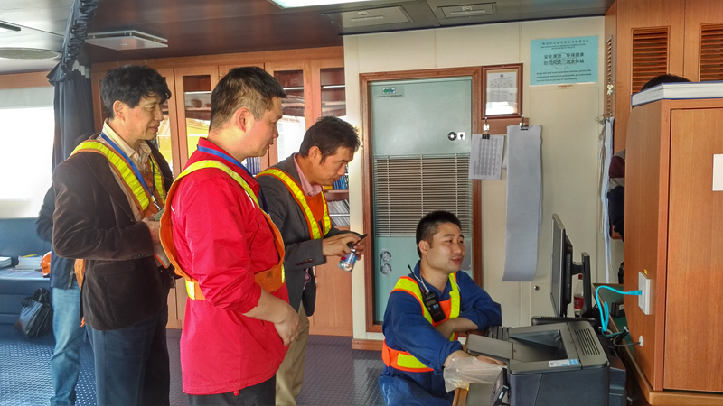 MTCC-Asia技术人员到COSCO Himalayas 调研船舶能效的数据收集和传输