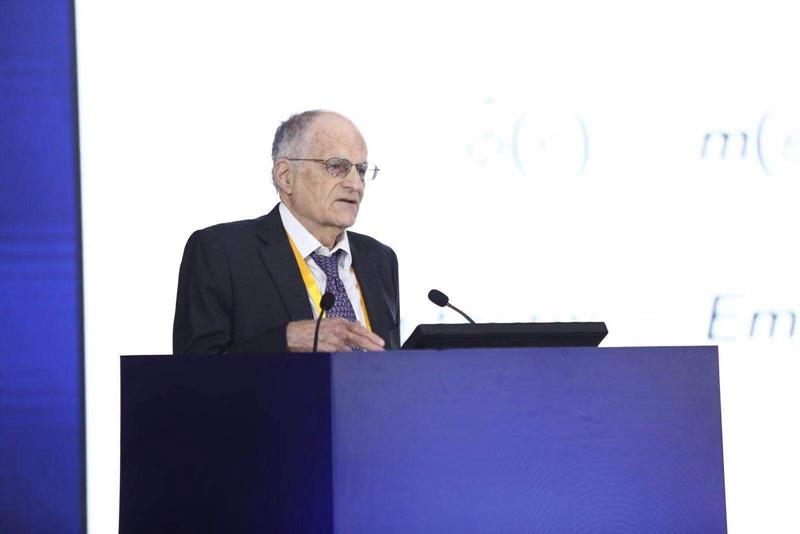 2011年诺贝尔经济学奖获得者托马斯·萨金特发表演讲