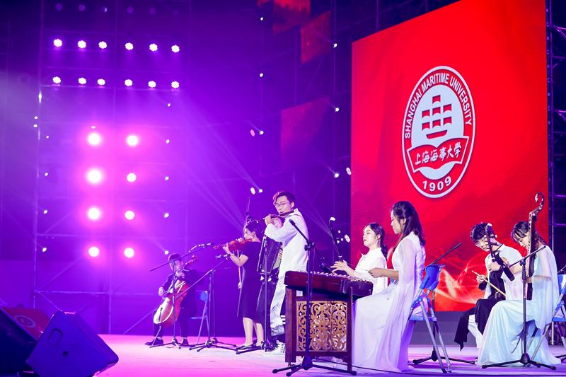 多元融合《海涛澎湃》表演:学生室内乐乐团、学生民乐团