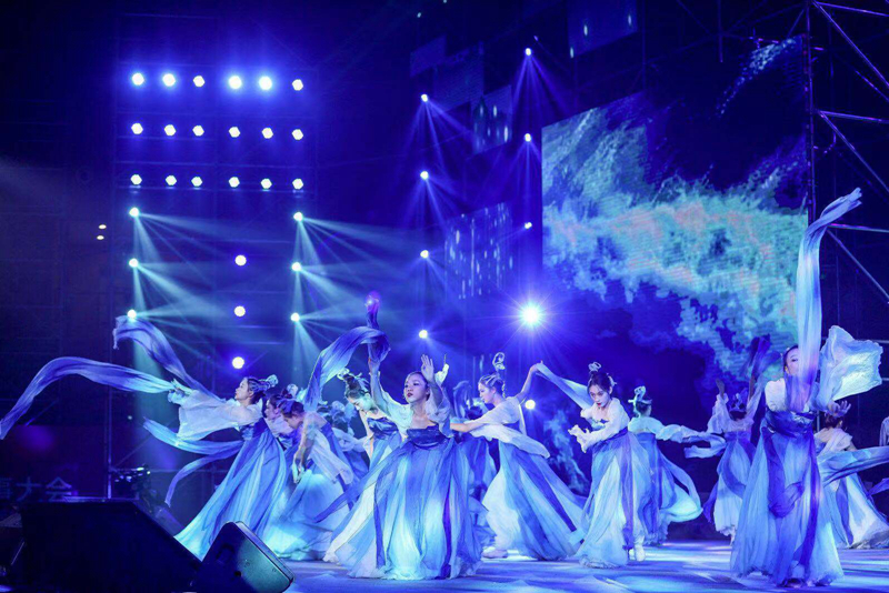 情景舞蹈:《风调雨顺》表演:学生舞蹈团