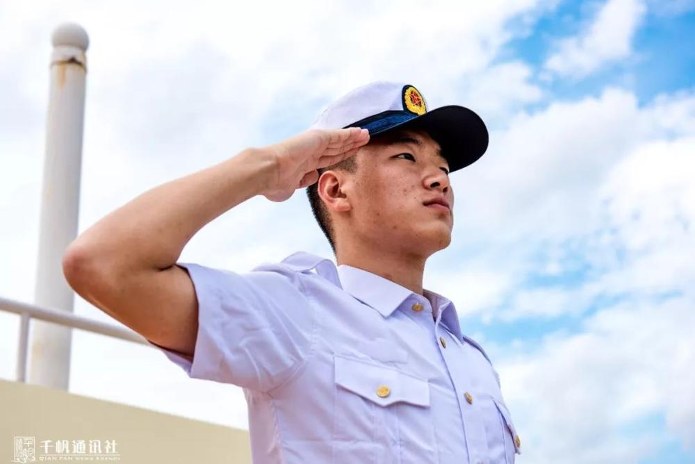 航海1510班姚禹含光荣入伍,成为中国人民解放军南沙水警区永暑礁战士