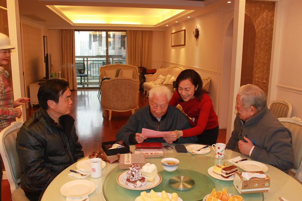 上海海事大学校友会会长、上海海事大学校长黄有方教授致欧椿堃校友的新春贺信