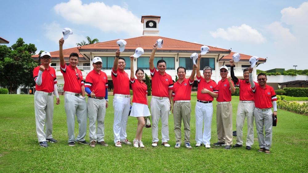 """我校新加坡校友会获新加坡全球高校校友""""翰林杯""""高尔夫精英赛团体总杆亚军"""