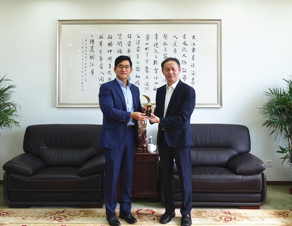 金永兴书记会见徐辅成首席代表