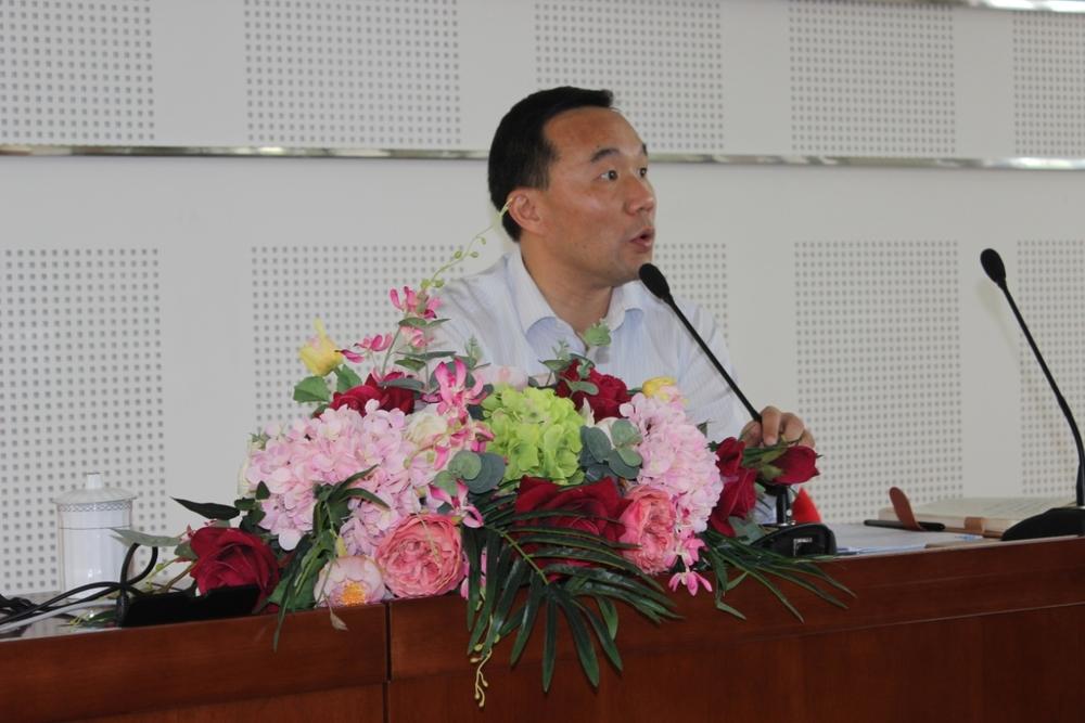王海威副书记作报告