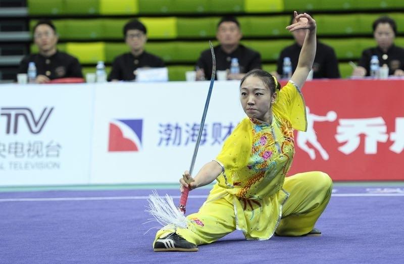 我校武术队学生郭梦娇在比赛中