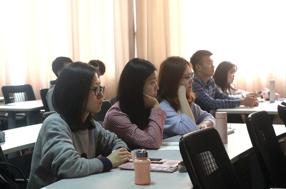 交通运输学院组织师生集体收看十九大开幕式