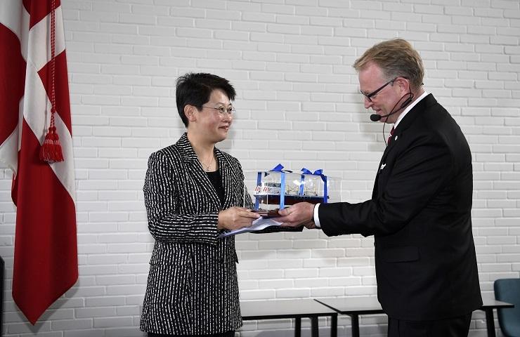 门妍萍副书记受邀出席丹麦哥本哈根轮机工程与技术管理学院新校落成典礼