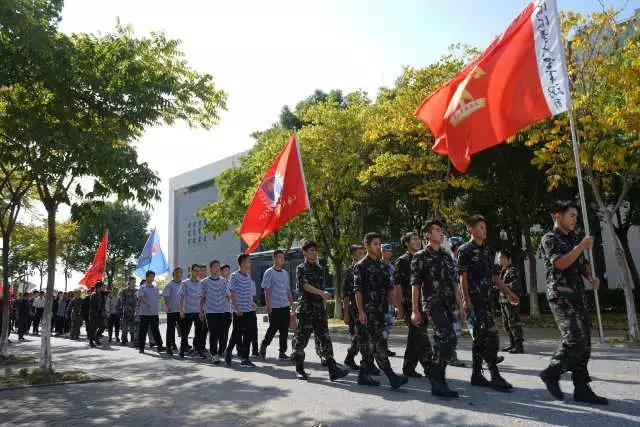 参加上海市军事类社团交流会