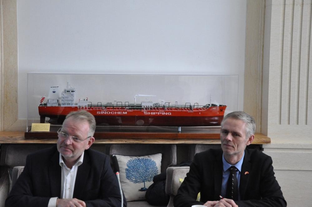 埃里克•安德里森院长与托马斯·德拉戈埃副院长