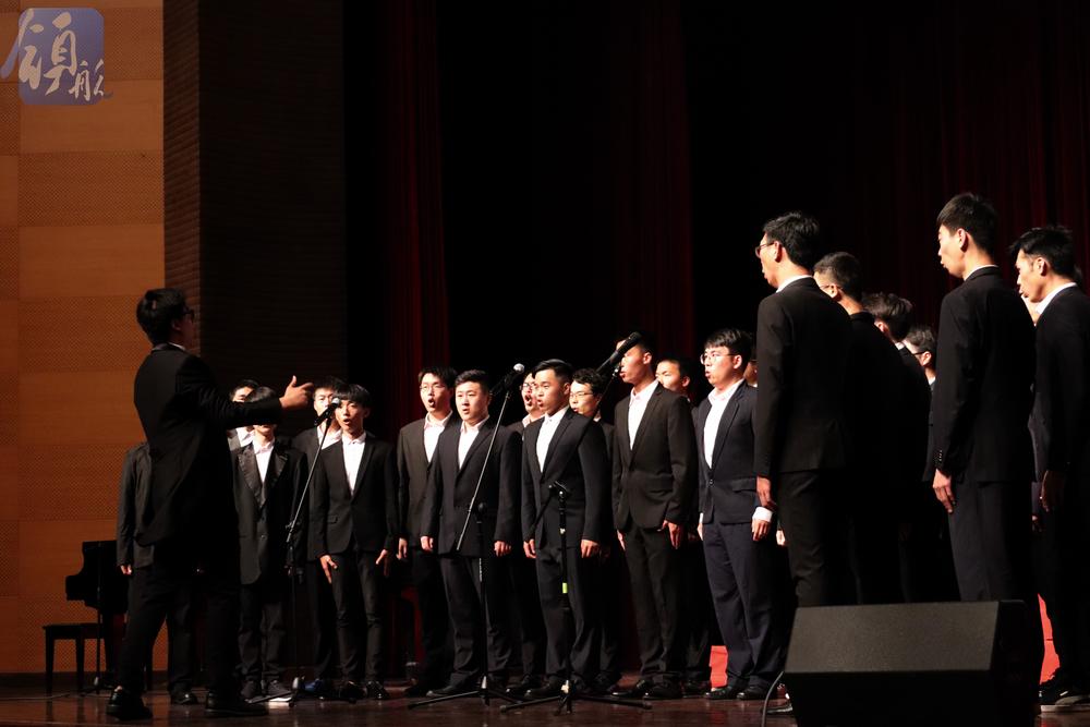 男声合唱《天路》
