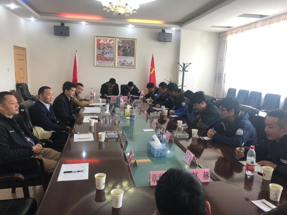 王海威副校长与11名西藏工作同学在日喀则座谈