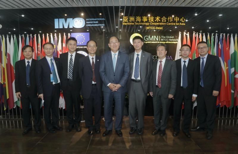 与会嘉宾参观亚洲海事技术合作中心