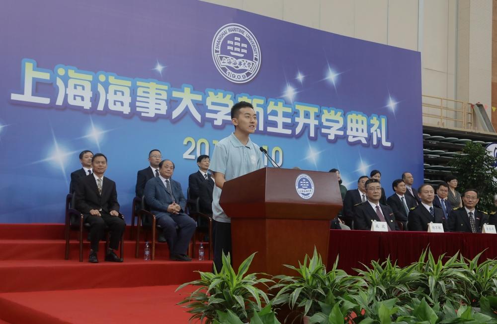 新生代表、经济管理学院工商管理专业翁祖望同学发言