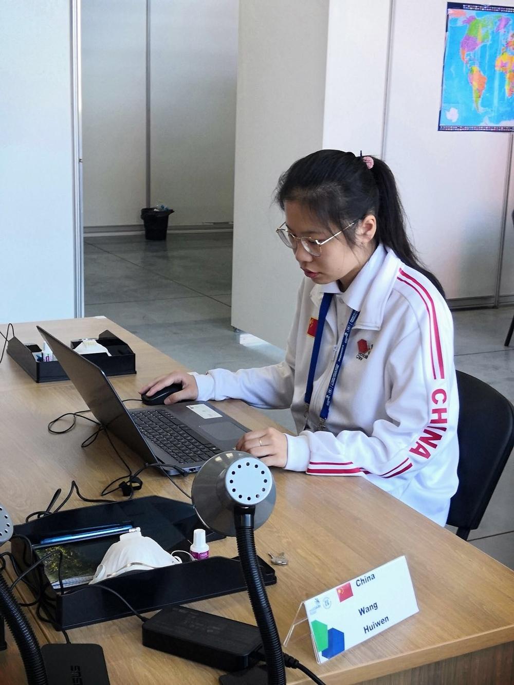 王慧文同学在比赛中