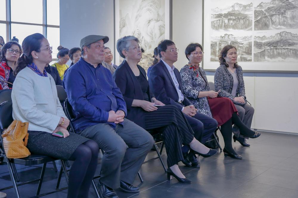 首届长青国画新人作品展开幕式在我校举行