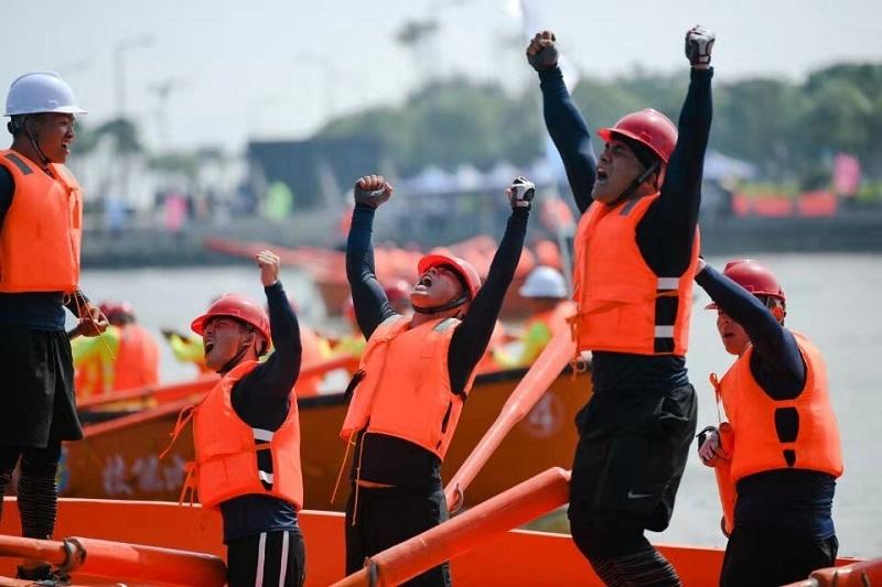 操艇决赛庆祝