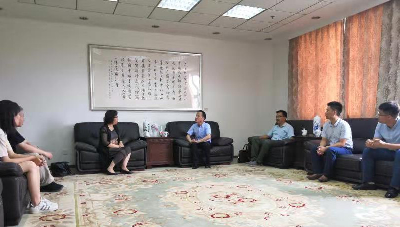 中科院院士、中央候补委员何雅玲教授来访我校