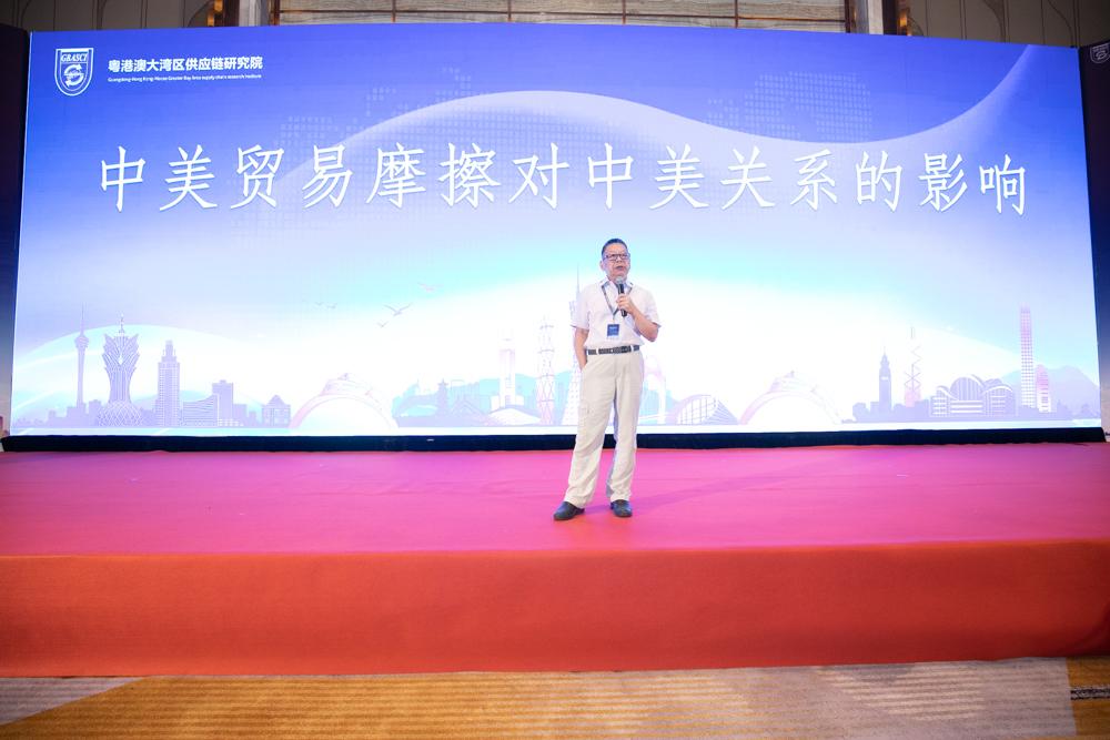 香港凤凰卫视时事评论员石齐平作主题分享