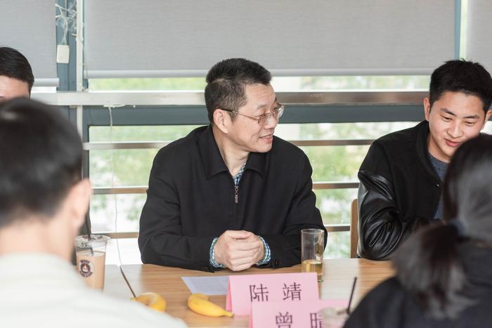 陸靖校長與學生座談交流