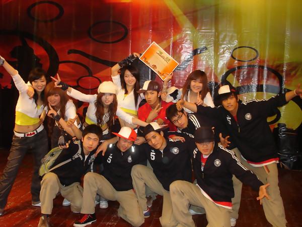 2007年集体舞大赛决赛最后一次在老校大礼堂举行