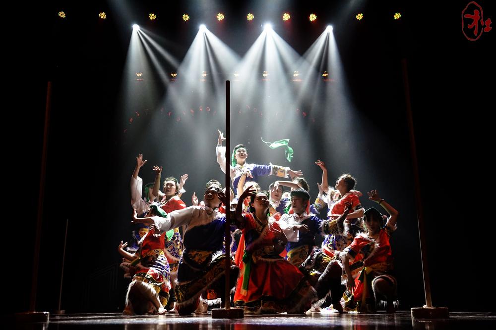 2017年,集体舞大赛主题为《新航向》