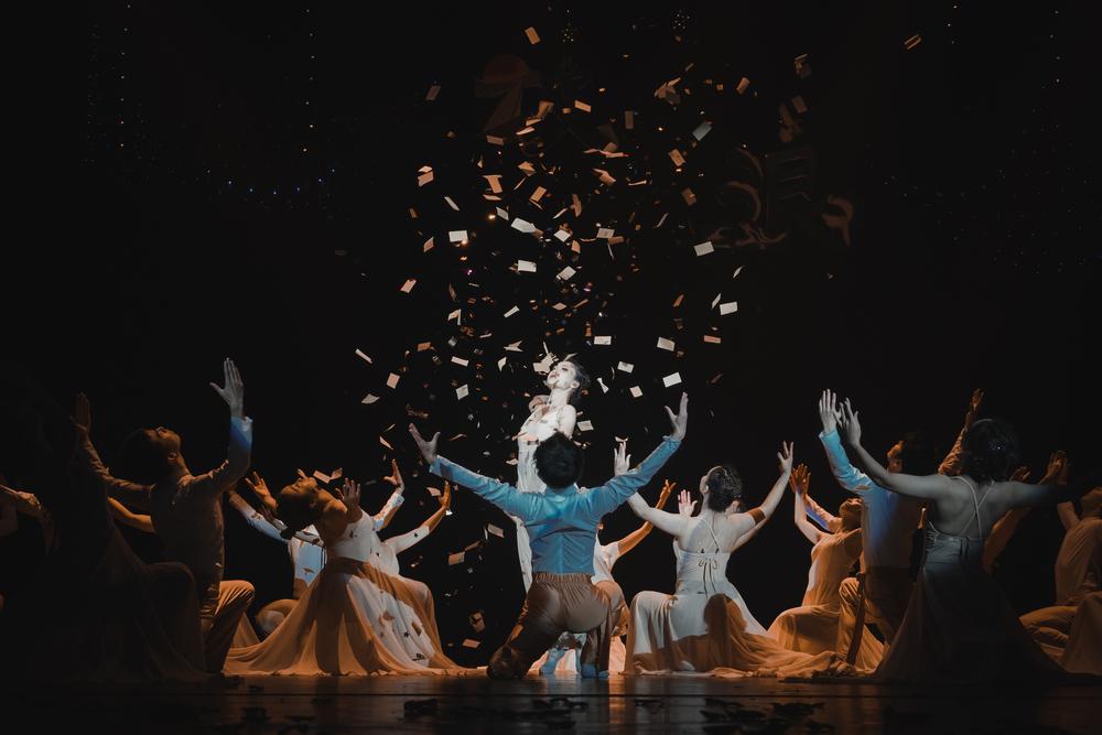 2020年,集体舞大赛主题《破浪》